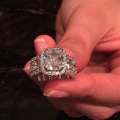 Dream Engagement Rings, Engagement Ring Styles, Pretty Rings, Beautiful Rings, Ring Verlobung, Dream Ring, Diamond Are A Girls Best Friend, Fashion Rings, Ring Designs