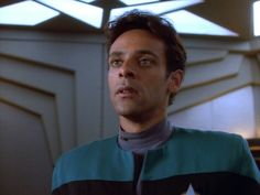 Alexander Siddig As Dr. Julian Bashir In Star Trek Deep Space Nine ❤  Dr Bashir I Presume