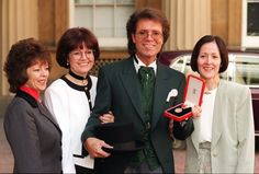 No slowing down for Sir Cliff Richard as he celebrates his 75th ...