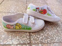 Ovis benti cipőre festettem fel a gyerkőc jelét. A festés lépéseit megtalálod a linken. Slip On, Sneakers, Shoes, Fashion, Tennis, Moda, Slippers, Zapatos, Shoes Outlet