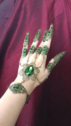 Emerald Hand Flower Chain Bracelet by Fairytas on Etsy