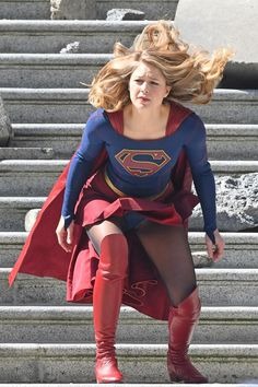 Melissa Benoist Upskirt Costume Wardrobe Malfunction on set of Supergirl Season 4 in Vancouver Canada Melissa Marie Benoist, Melissa Benoist Hot, Supergirl Season, Supergirl Tv, Supergirl Outfit, Bd Comics, Comics Girls, Emily Rickards, Melissa Benoit