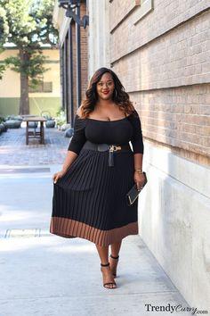 TrendyCurvy   Plus Size Fall Fashion   Pleated Skirt