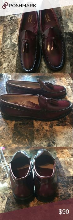 WEEJUNS Lexington Burgundy Tassel Loafer Men MINT CONDITION with 1 use!✨ Bass Shoes Loafers & Slip-Ons