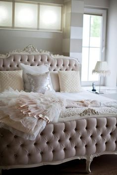 Pale pink bedroom with an ornate, tufted bed and tone-on-tone striped walls Dream Bedroom, Home Bedroom, Master Bedroom, Bedroom Ideas, Blush Bedroom, Bedroom Designs, Pretty Bedroom, Teen Bedroom, Summer Bedroom