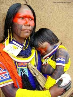 Kayapo Indians, Brazil - mother and child We Are The World, People Around The World, Beautiful World, Beautiful People, Xingu, Tribal People, Amazon Rainforest, Thinking Day, Lewis Carroll