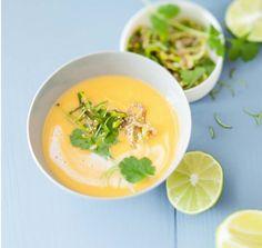 Rezept: Süßkartoffel-Suppe mit Kokos | Für Sie http://www.fuersie.de/kochen/rezeptideen/artikel/suesskartoffel-suppe-mit-kokos