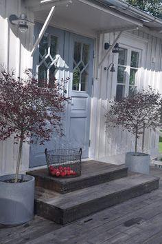 Contemporary Small Apartment with Swedish Style Interior Design - Home Decor & Design Ideas. Swedish Cottage, Swedish Decor, Cute Cottage, Swedish Style, Swedish House, Swedish Design, Cottage Style, Nordic Home, Scandinavian Home