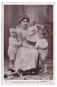 Victoria-Eugénie de Battenberg, reine d'Espagne   Noblesse & Royautés