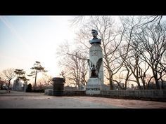 Artists Place Bust of Edward Snowden Atop War Memorial Statue in Brooklyn | Common Dreams | Breaking News & Views for the Progressive Community