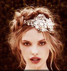 white and white Modaevi: Gelin saçı takıları ışıl ışıl!