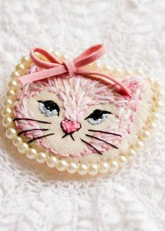 kitty embroidery ~ Debbie ❤