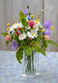 New Landscape Garden Photography Trees 24 Ideas Clay Flowers, Flower Vases, Flower Art, Paper Flowers, Ikebana, Bouquet Champetre, Flower Arrangements Simple, Decoration Plante, Gerbera