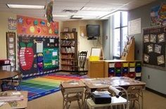 This site is FILLED with room set-ups! Don't say I didn't warn you! You'll be on this site for hours! I have classroom envy! Classroom Layout, Classroom Organisation, New Classroom, Classroom Setting, Teacher Organization, Classroom Design, Kindergarten Classroom, Classroom Themes, Classroom Management