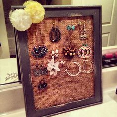 DIY Jewelry Holder - Simple burlap, frame and fabric flowers :)