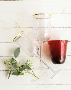 00444893. Dos copas de cristal y un portavelas rojo_00444893 Alcoholic Drinks, Wine, Store, Glass, Vintage, Christmas Tabletop, Dish Sets, Red, Drinkware