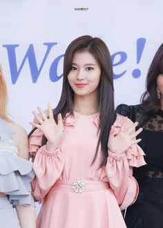 Twice-Sana 180830 SORIBADA BEST K-MUSIC AWARDS Kpop Girl Groups, Korean Girl Groups, Kpop Girls, Sana Momo, Sana Minatozaki, Myoui Mina, Twice Sana, Dance The Night Away, Music Awards