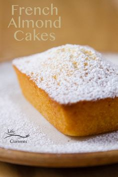 Financiers (French Almond Cakes) - - Financiers (French Almond Cakes) It's the HOLIDAY Season all Year Long! Financiers (French Almond Cakes) Recipe – a delicious, buttery moist cake French Almond Cake Recipe, French Dessert Recipes, Best Dessert Recipes, Cupcake Recipes, Sweet Recipes, French Recipes, Cookie Recipes, Financier Cake, Financier Recipe