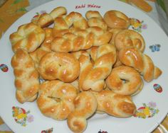 Easter Projects, Easter Crafts, Greek Cookies, Easter Biscuits, Greek Sweets, Greek Easter, Pizza, Easter 2021, Greek Recipes