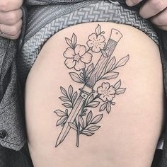 Knife and flowers for Amanda ✨ to book an appointment in LONDON email me at lillyanchor@gmail.com ✨ #tattoo #traditionaltattoo #oldschooltattoo #dotwork #dotworktattoo #botanical #botanicaltattoo #linework #dotwork #blacktattoo #nyctattoo #newyorktattoo #brooklyntattoo #uktattoo #londontattoo #vegantattoo #veganink #btattooing #blacktattooart #darkartists #blackworkerssubmission #tttism #flowertattoo #wildflowers #knifetattoo #daggertattoo #thightattoo #lillyanchor #blackwork #blackworkers