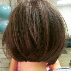Soft laying undercut textured bob ~ #razorcut #finehair #texture Cut by Marissa