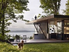 Perched on a scenic waterwayon the southern end of Puget Sound in Washington state, the Case Inlet Retreatby Seattle architectsMW|Worksis a cabin with