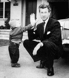Lloyd Bridges with his son Jeff in 1952