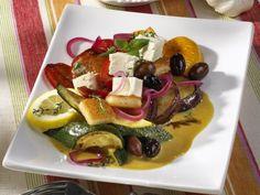 Warmer Gemüsesalat ist ein Rezept mit frischen Zutaten aus der Kategorie sättigender Salat. Probieren Sie dieses und weitere Rezepte von EAT SMARTER!