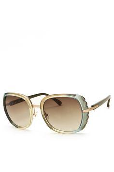 I'm ready for the sun! Love these Chloe sunglasses.