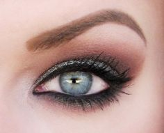 Eye makeup for blue eyes by Hicks