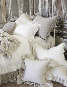 Gorgeous 60 Romantic Shabby Chic Bedroom Decorating Ideas https://wholiving.com/60-romantic-shabby-chic-bedroom-decorating-ideas