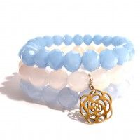 Handmade Bracelets - white faceted agate, light blue crystal and jade beads with a gold-plated rose. Find us on: www.labonita.co order: labonita.bizu@gmail.com