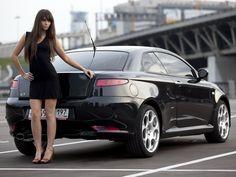 Alfa Romeo GT-Design by Bertone (the most beautifull rear of all cars)