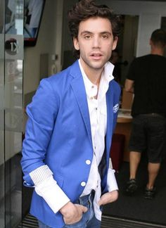 Mika arrives at the BBC Radio 1 Studios on July 2009 in London, England Mika Singer, Pretty People, Beautiful People, Beautiful Boys, Britney Spears, The Voice, Taylor Swift, The Way He Looks, Grace Kelly