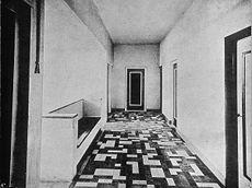 Jacobus Johannes Pieter Oud    Vakantiehuis De Vonk, Noordwijkerhout, gang eerste verdieping    tegels    1917-1918