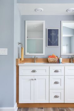 Offering both storage and style, the well-organized kids' bathroom keeps things simple so both parents and little ones can enjoy bath time. >> http://www.diynetwork.com/blog-cabin/2016/kids-bathroom-pictures-from-diy-network-blog-cabin-2016-pictures?soc=pinterest