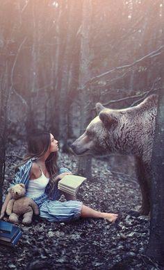 Hardy, Rosie - Woman w Book, Teddy Bear & Real Bear