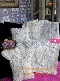 motif dessus de lit au crochet - le blog de Joe Créations Crochet Wool, Crochet Hats, Elsa, Knitting Patterns, Projects To Try, Creations, Plaid, Throw Pillows, Blanket