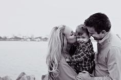LOVE these family pictures.