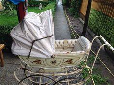 White wheels & Handle on baby buggy/pram
