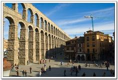 El Acueducto de Segovia es una impresionante obra de ingeniería romana