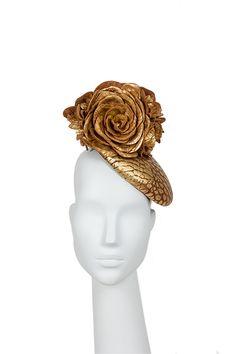 Flor dorada.  Golden flower Buckram piel dorada. Golder leather.