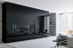 schwarzer kleiderschrank wohnideen schlafzimmer heller teppich