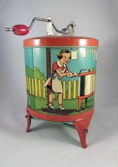 Ohio Art Tin Litho 'Dolly's Laundry' Toy Washing Machine by tamera Metal Toys, Tin Toys, Vintage Tins, Vintage Dolls, Toy Washing Machine, Washing Machines, Vintage Laundry, Toy Kitchen, Vintage Games