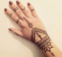 See more ideas about simple hand henna, henna tattoo hand designs and Henna Tattoo Designs, Henna Tattos, Tattoo Design For Hand, Henna Designs Easy, Mehndi Designs For Hands, Dot Tattoos, Cross Tattoos, Dragon Tattoos, Tribal Henna Designs