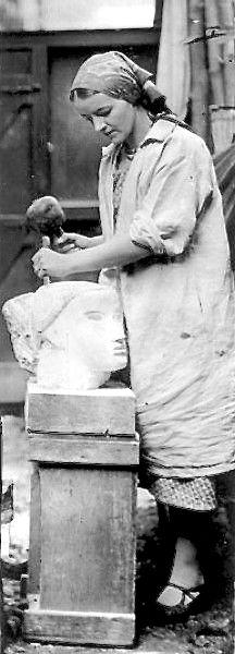 Barbara Hepworth (British, 1903 – 1975), carving Head, 1930
