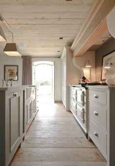 Neptune Cucina Angoli cottura - Buckland Coppia di pilastri soprapiano per cappa da cucina 300