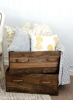 love this storage for when your actually using the couch and dnt wanna throw the pillows, I could repurpose the drawers of the dresser from the girls room