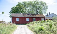 Old Buildings, Finland, Garage Doors, Hiking, Cabin, Country, House Styles, Outdoor Decor, Nature