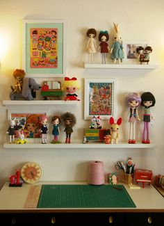 Display for animal collection Space Crafts, Craft Space, Craft Rooms, Cool Kids Rooms, Kid Spaces, Work Spaces, Doll Display, Displaying Collections, Diy Doll